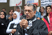 Activist Ehab Lotayef  denounce the atrocities committed by Israel against the Palestinians. It calls for solidarity with the Palestinian people, to mobilize for demonstrations continue until the end of the conflict.
