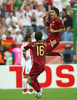 :0 Jubel Deco, Ricardo Carvalho Portugal Fussball WM 2006 Portugal - Iran 2:0<br />