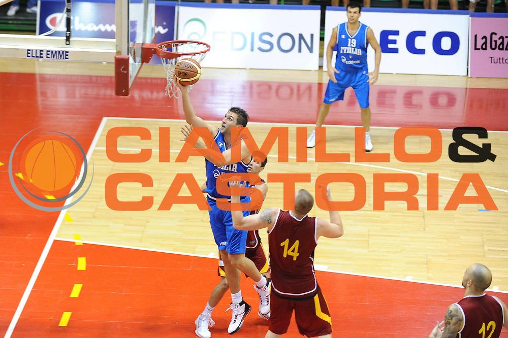 DESCRIZIONE : Firenze I&deg; Torneo Nelson Mandela Forum Italia Macedonia<br /> GIOCATORE : Andrea Bargnani<br /> SQUADRA : Nazionale Italia Uomini <br /> EVENTO : I&deg; Torneo Nelson Mandela Forum <br /> GARA : Italia Macedonia<br /> DATA : 16/07/2010 <br /> CATEGORIA : Tiro<br /> SPORT : Pallacanestro <br /> AUTORE : Agenzia Ciamillo-Castoria/M.Gregolin<br /> Galleria : Fip Nazionali 2010