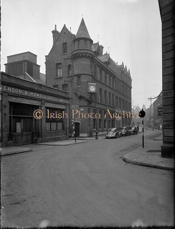 27/11/1955<br /> 11/27/1955<br /> 27 November 1955<br /> Special for Motoring Life (Mr Charming)  -Views of Harry Street-Grafton Street Corner, Dublin.