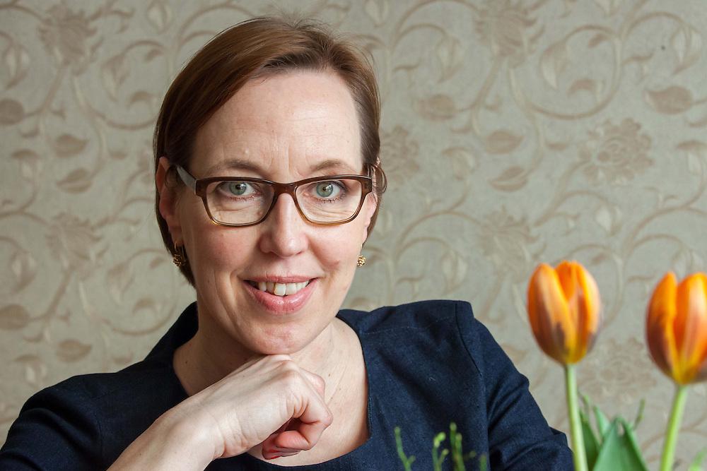 Germany - Deutschland; JULIANE MEYER-CLASON, Beraterin - Counselor; Berlin-Schöneberg; 12.04.2013; © Christian Jungeblodt
