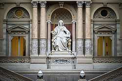 THEMENBILD - Oberster Gerichtshof von Oesterreich. Das Bild wurde am 09. Januar 2014 aufgenommen. im Bild Statue der Justitia // THEMES PICTURE - Austrian Supreme Court of Justice. The image was taken on january, 9th, 2014. Picture shows Statue of Justice, AUT, EXPA Pictures © 2014, PhotoCredit: EXPA/ Michael Gruber