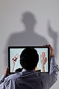Belo Horizonte_MG, Brasil.<br /> <br /> Publicitario, que teve um relacionamento virtual e o marido da mulher passou a persegui-lo.<br /> <br /> Publicist, who had a virtual relationship and the woman's husband began to chase him.<br /> <br /> Foto: LEO DRUMOND / NITRO