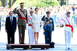 06.06.2015, Plaza de la Lealtad, Madrid, ESP, Armed Forces Day Ceremony 2015, im Bild King Felipe VI of Spain and Queen Letizia of Spain // during the Armed Forces Day Ceremony 2015 at the Plaza de la Lealtad in Madrid, Spain on 2015/06/06. EXPA Pictures © 2015, PhotoCredit: EXPA/ Alterphotos/ Rogelio Pinate<br /> <br /> *****ATTENTION - OUT of ESP, SUI*****