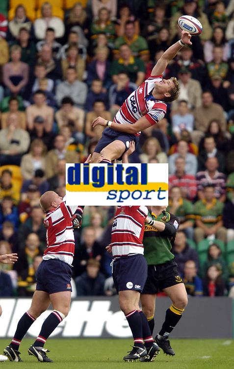 Photo. Richatd Lane.Digitalsport<br /> Northampton Saints v Gloucester. 18/09/2004.<br /> James Forrester takes a lineout.