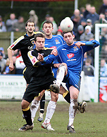Photo: Mark Stephenson.<br /> Chasetown v Cardiff City. FA Cup Third Round. 05/01/2008<br /> Cardiff's Gavin Rae battles for the ball.