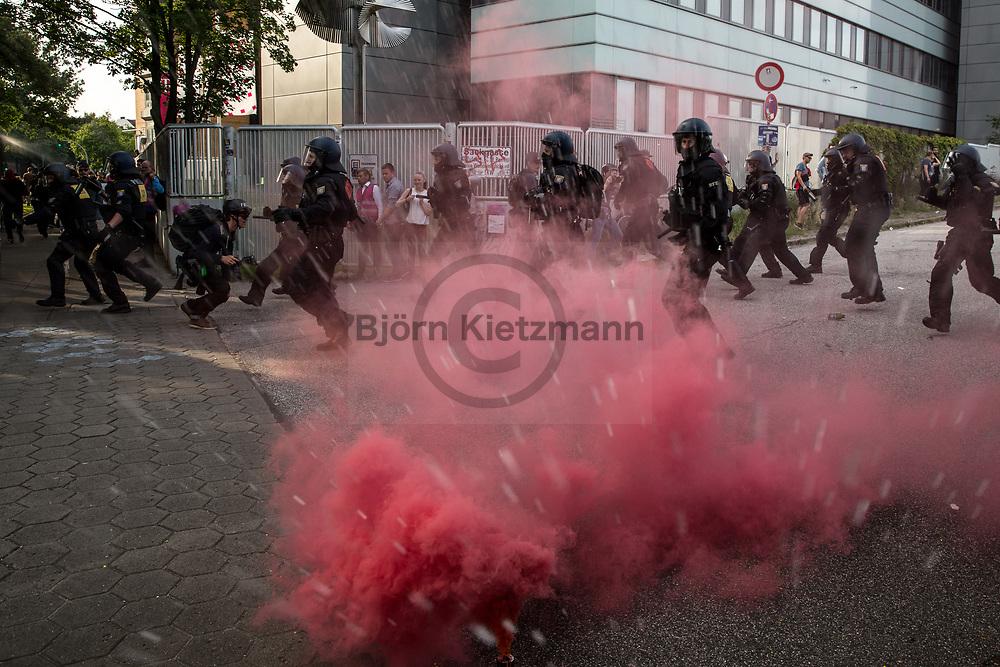 Hamburg, Germany - 07.07.2017<br /> <br /> Anti G20-Proteste in Hamburg.<br /> <br /> Photo: Bjoern Kietzmann