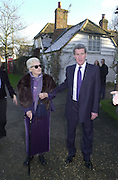 Jeremy Paxman with his mother-in-law. Marriage of Emily Mortimer, ( daughter of John Mortimer ) to Alessandro Nivola, Turville.© Copyright Photograph by Dafydd Jones 66 Stockwell Park Rd. London SW9 0DA Tel 020 7733 0108 www.dafjones.com