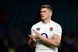 Owen Farrell of England acknowledges the crowd after the match - Mandatory byline: Patrick Khachfe/JMP - 07966 386802 - 10/02/2019 - RUGBY UNION - Twickenham Stadium - London, England - England v France - Guinness Six Nations