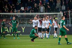 26-10-2016 NED: KNVB beker FC Utrecht, - Fc Groningen, Utrecht<br /> FC Utrecht heeft zich geplaatst voor de achtste finales van de KNVB-beker. De verliezend finalist van vorig seizoen rekende in stadion Galgenwaard af met FC Groningen, bekerwinnaar in 2015 / Ramon Leeuwin #3, Willem Janssen #8