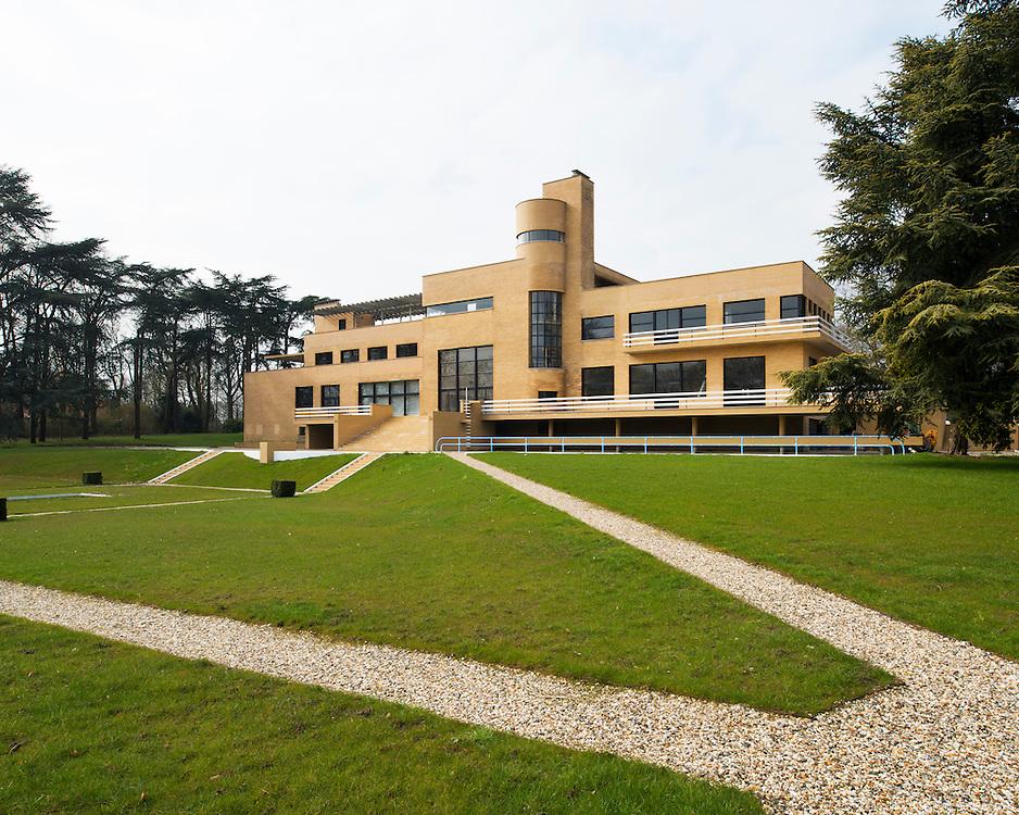 La Villa Cavrois par l'architecte Robert Mallet-Stevens, en cours de restauration par le Centre des monuments nationaux (CMN). Croix, Nord-Pas-de-Calais, 2013.