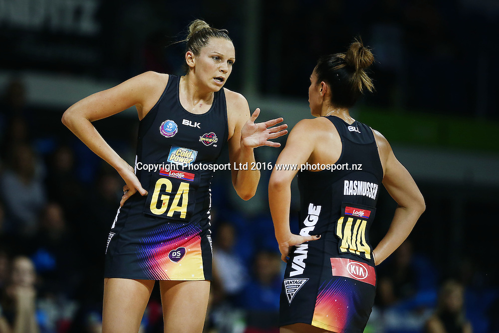 Joanne Harten of the Magic has a word with teamamte Grace Rasmussen. 2016 ANZ Championship, Northern Mystics v Waikato BOP Magic, The Trusts Arena, Auckland, New Zealand. 6 June 2016. Photo: Anthony Au-Yeung / www.photosport.nz