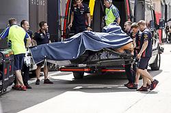May 9, 2019 - Barcelona, Spain - Motorsports: FIA Formula One World Championship 2019, Grand Prix of Spain, ..Mechanic of Aston Martin Red Bull Racing  (Credit Image: © Hoch Zwei via ZUMA Wire)