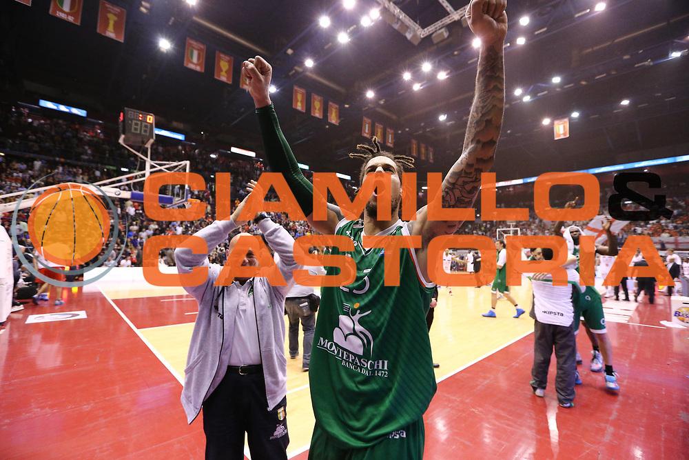DESCRIZIONE : Milano Lega A 2012-13 EA7 Emporio Armani Milano Montepaschi Siena playoff quarti di finale<br /> GIOCATORE : Daniel Hackett<br /> CATEGORIA : Ritratto Esultanza<br /> SQUADRA : Montepaschi Siena<br /> EVENTO : Campionato Lega A 2012-2013<br /> GARA : EA7 Emporio Armani Milano Montepaschi Siena<br /> DATA : 22/05/2013<br /> SPORT : Pallacanestro <br /> AUTORE : Agenzia Ciamillo-Castoria/G.Cottini<br /> Galleria : Lega Basket A 2012-2013  <br /> Fotonotizia : Milano Lega A 2012-13 EA7 Emporio Armani Milano Montepaschi Siena playoff quarti di finale<br /> Predefinita :