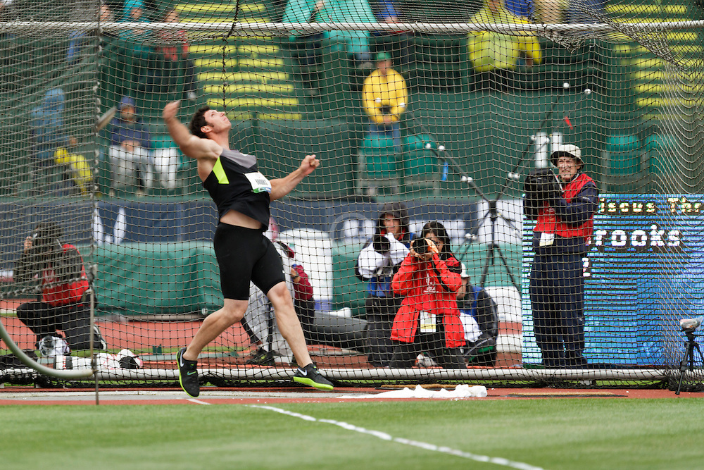 men's discus, Aaron Brooks, winner