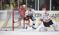 28.10.2018, Stadthalle, Klagenfurt, AUT, EBEL, EC KAC vs HC Orli Znojmo, 14. Runde, im Bild Thomas Hundertpfund (EC KAC, #27), Adam Sedlak (HC Orli Znojmo, #16), Teemu Lassila (HC Orli Znojmo, #19) // during the Erste Bank Eishockey League 14th round match between EC KAC vs HC Orli Znojmo at the City Hall in Klagenfurt, Austria on 2018/10/28. EXPA Pictures © 2018, PhotoCredit: EXPA/ Gert Steinthaler
