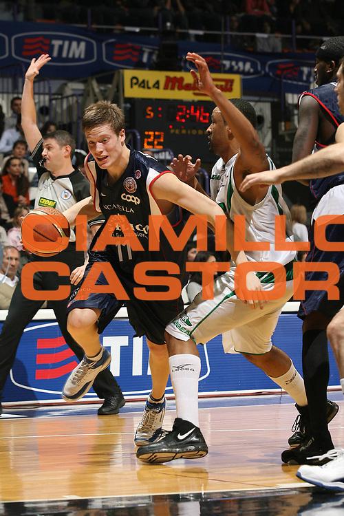 DESCRIZIONE : Bologna Final Eight 2008 Semifinale Angelico Biella Air Avellino<br /> GIOCATORE : Jonas Jerebko <br /> SQUADRA : Angelico Biella<br /> EVENTO : Tim Cup Basket For Life Coppa Italia Final Eight 2008 <br /> GARA : Angelico Biella Air Avellino<br /> DATA : 09/02/2008 <br /> CATEGORIA : Penetrazione<br /> SPORT : Pallacanestro <br /> AUTORE : Agenzia Ciamillo-Castoria/M.Marchi<br /> Galleria : Final Eight 2008 <br /> Fotonotizia : Bologna Final Eight 2008 Semifinale Angelico Biella Air Avellino<br /> Predefinita :
