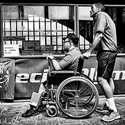 L'attente des athlètes au terrain de boules, pendant les Jeux Nationaux Special Olympics 2017 d'Italie, pour handicappés mentaux, à Biella