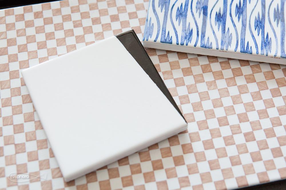 """Caltagirone (CT) - Made a Mano. La piastrella """"Cunei"""" disegnate da Studiocharlie (Rovato - BS)."""