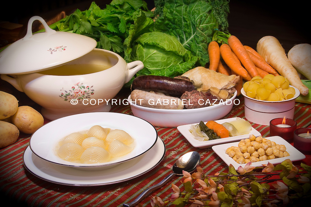 Traditional recipes offered to Barcelona's Sta. Caterina Green Market customers.<br /> This Recipes are given by sellers as a new year gift in a Calendar book.
