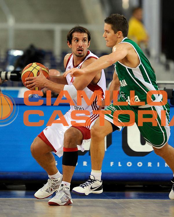 DESCRIZIONE : Lodz Poland Polonia Eurobasket Men 2009 Qualifying Round Turchia Turkey Slovenia<br /> GIOCATORE : Kerem Tunceri<br /> SQUADRA : Turchia Turkey<br /> EVENTO : Eurobasket Men 2009<br /> GARA : Turchia Turkey Slovenia<br /> DATA : 16/09/2009 <br /> CATEGORIA :<br /> SPORT : Pallacanestro <br /> AUTORE : Agenzia Ciamillo-Castoria/N.Parausic<br /> Galleria : Eurobasket Men 2009 <br /> Fotonotizia : Lodz Poland Polonia Eurobasket Men 2009 Qualifying Round Turchia Turkey Slovenia<br /> Predefinita :
