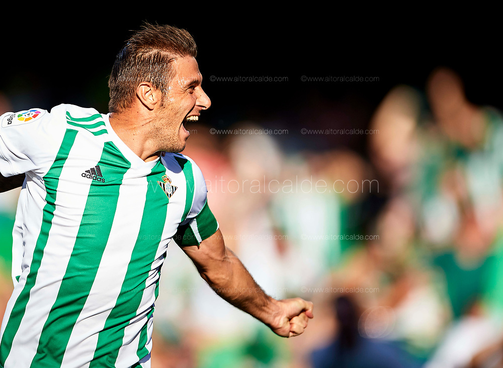 SEVILLE, SPAIN - SEPTEMBER 16:  Joaquin Sanchez of Real Betis Balompie celebrates after scoring during the La Liga match between Real Betis and Deportivo La Coruna at  Estadio Benito Villamarin on September 16, 2017 in Seville, .  (Photo by Aitor Alcalde Colomer/Getty Images)