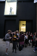 Scene in Vyner St for the  Opening of new  Wilkinson gallery. Vyner St. London. E2. Party afterwards at Bistrotheque. 6 September 2007. -DO NOT ARCHIVE-© Copyright Photograph by Dafydd Jones. 248 Clapham Rd. London SW9 0PZ. Tel 0207 820 0771. www.dafjones.com.