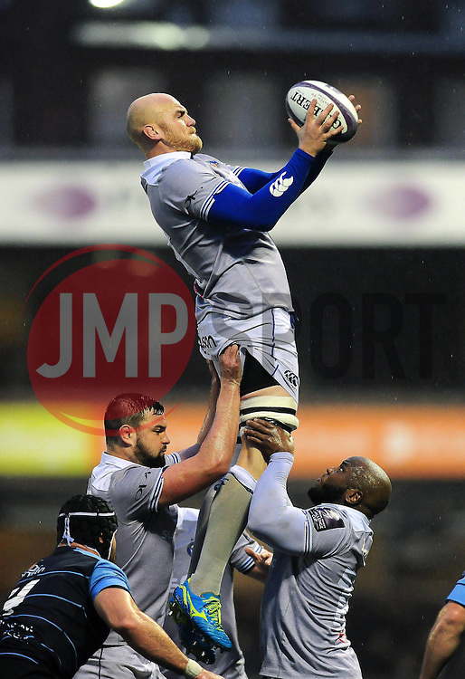Matt Garvey of Bath Rugby wins the ball at a lineout - Mandatory byline: Patrick Khachfe/JMP - 07966 386802 - 10/12/2016 - RUGBY UNION - Cardiff Arms Park - Cardiff, Wales - Cardiff Blues v Bath Rugby - European Rugby Challenge Cup.