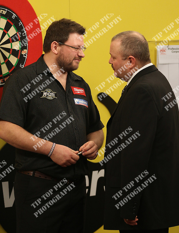 CASH CONVERTERS PLAYERS CHAPIONSHIP 2012 .ROUND 1 ,PDC, DARTS, JAMES WADE, BRENDON DOLAN