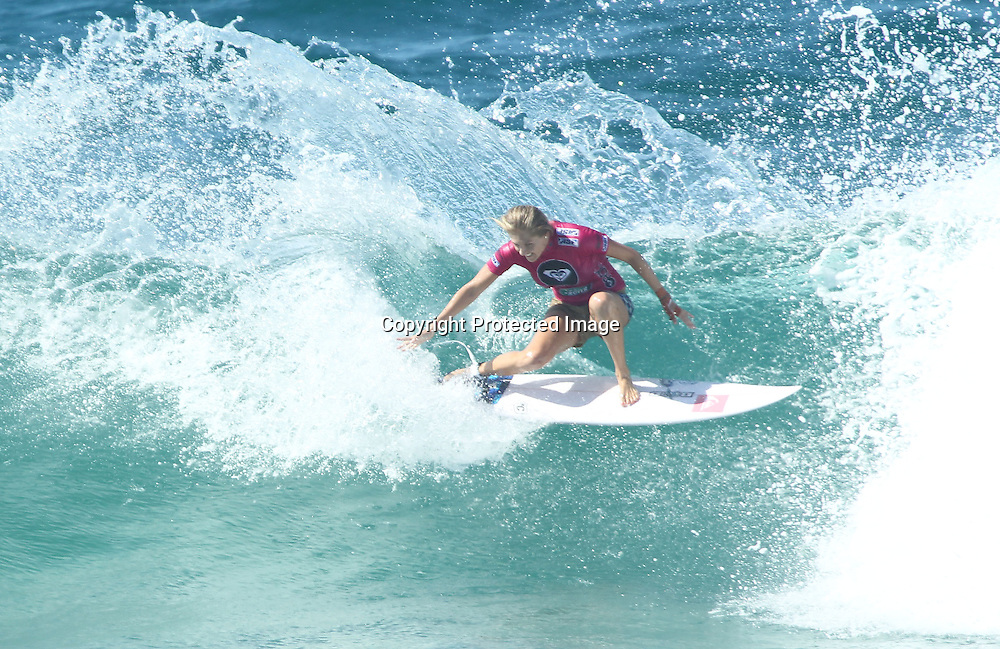 Surfing - ASP Roxy Pro - Snapper Rocks Gold Coast, Australia - 26/2/11<br /> Australia's Stephanie Gilmore during her round 1 heat <br /> Photo :  Jason Obrien<br /> Livepic