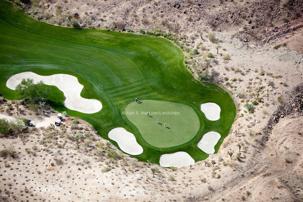 Cascata Golf Course - the par-72 course in the desert