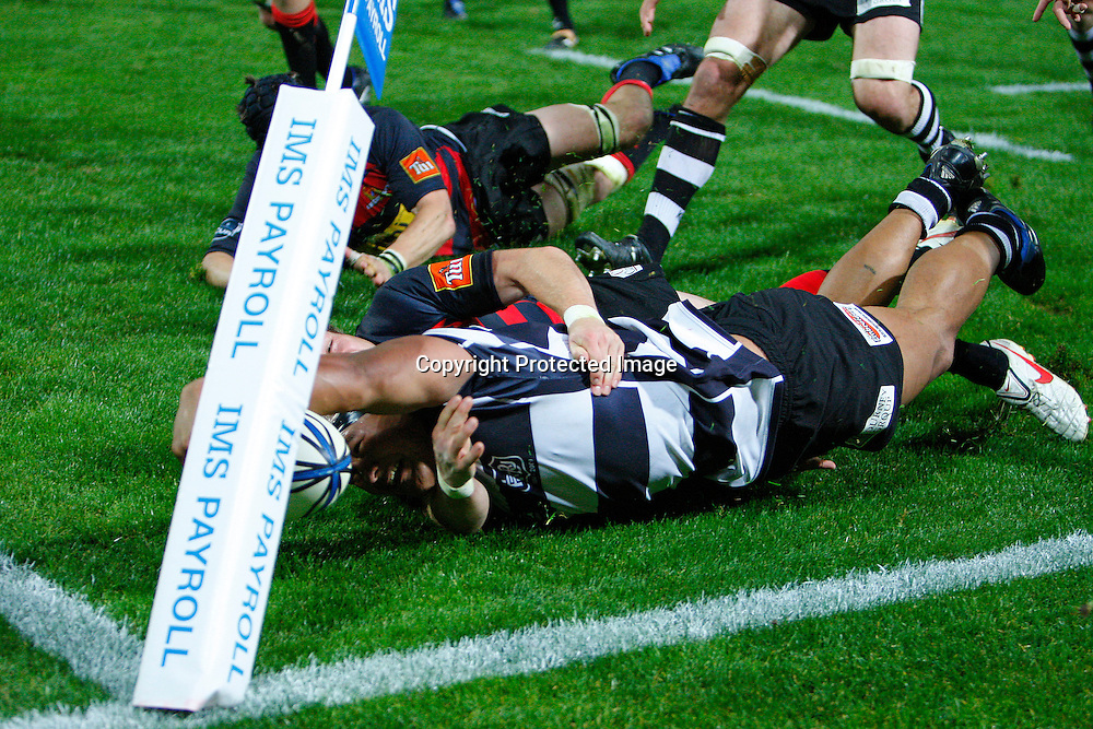 Hawkes Bays Sona Taumalolo scores a try during the Air NZ Cup Rugby Match - Hawkes Bay v Canterbury, McLean Park, Napier, 15 October 2009. Photo: Willie Ransfield/PHOTOSPORT