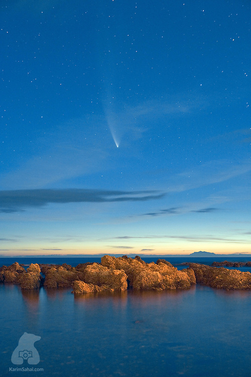 Comet McNaught appears in the Wellington sky above Houghton Bay in Wellington, New Zealand, on January 27, 2007. The remarkably bright comet remained visible for two weeks.