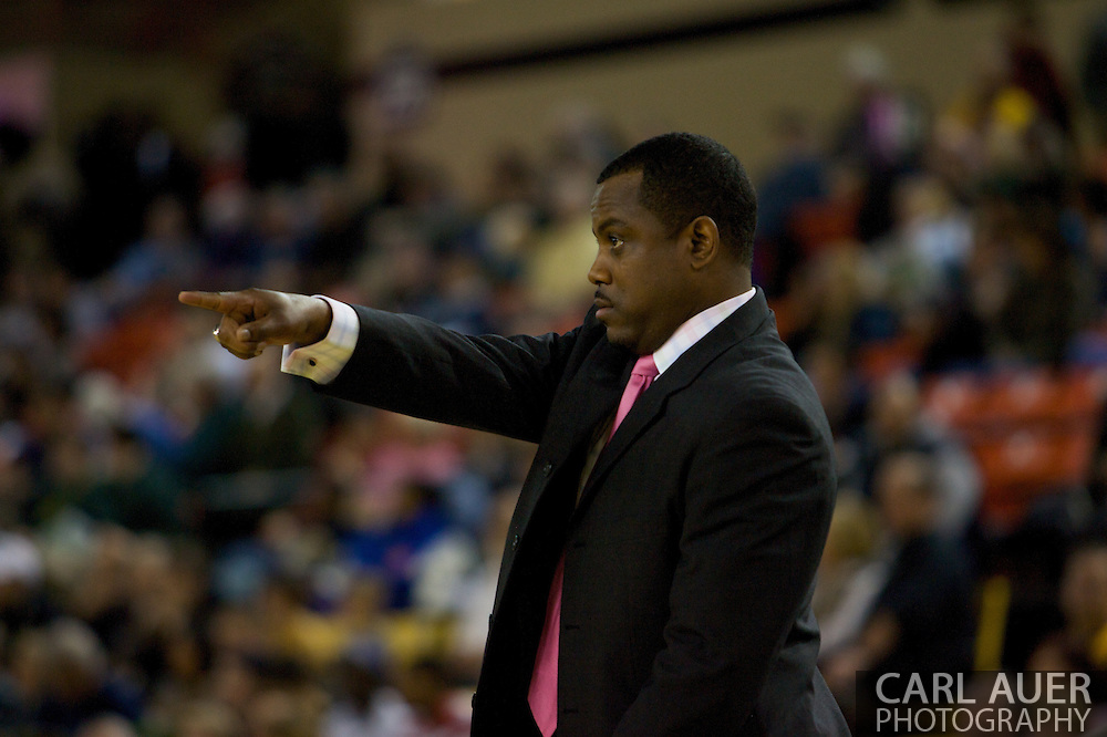 November 26, 2008: Hampton's head coach Kevin Nickelberry in the opening game of the 2008 Great Alaska Shootout at the Sullivan Arena against the University of Alaska-Anchorage Seawolves.