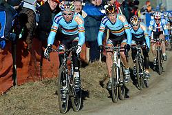 29-01-2006 WIELRENNEN: UCI CYCLO CROSS WERELD KAMPIOENSCHAPPEN ELITE: ZEDDAM <br /> Sven Nijs, Erwin Vervecken en Sven Vanthourenhout<br /> ©2006-WWW.FOTOHOOGENDOORN.NL