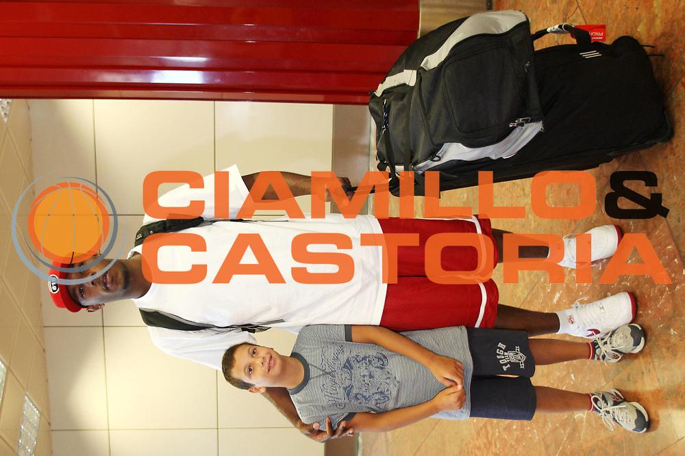 DESCRIZIONE : Bologna Lega A1 2008-09 Jamont Gordon alla Upim Fortitudo Bologna <br /> GIOCATORE : Jamont Gordon<br /> SQUADRA : Upim Fortitudo Bologna <br /> EVENTO : Campionato Lega A1 2008-2009 <br /> GARA : <br /> DATA : 29/08/2008 <br /> CATEGORIA : Ritratto <br /> SPORT : Pallacanestro <br /> AUTORE : Agenzia Ciamillo-Castoria/L.Villani <br /> Galleria : Lega Basket A1 2008-2009 <br /> Fotonotizia : Bologna Campionato Italiano Lega A1 2008-2009 Jamont Gordon alla Upim Fortitudo Bologna <br /> Predefinita :