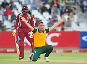 Kyle Abbot of South Africa appeals for the wicket of Chris Gayle of the West Indies during the 2015 KFC T20 International game between South Africa and the West Indies at Newlands Cricket Ground, Cape Town on 9 January 2015 ©Ryan Wilkisky/BackpagePix