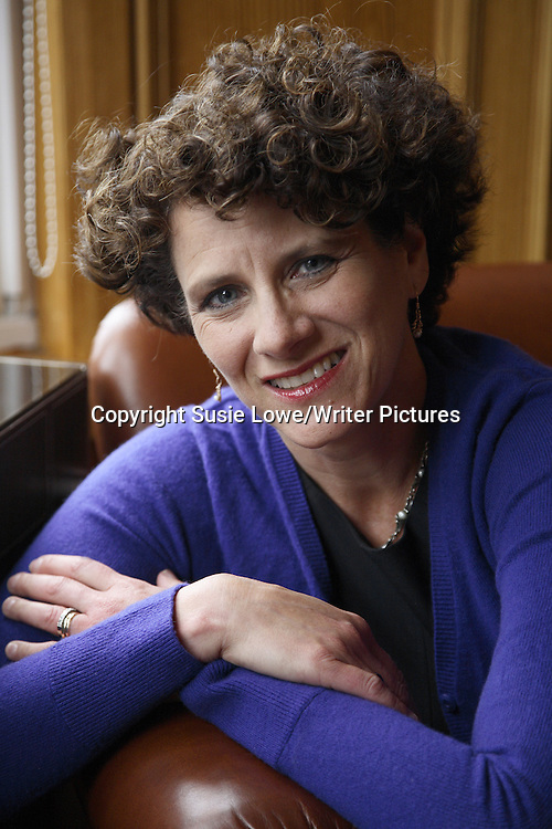Canadian Psychologist, Writer and Journalist Susan Pinker photographed at Channings Hotel Edinburgh to accompany an interview by Katya Timms and Samiha Shafy for Der Spiegel, Germany <br /> 31/08/2008<br /> <br /> Copyright Susie Lowe/Writer Pictures <br /> contact +44 (0)20 8241 0039 <br /> sales@writerpictures.com <br /> www.writerpictures.com