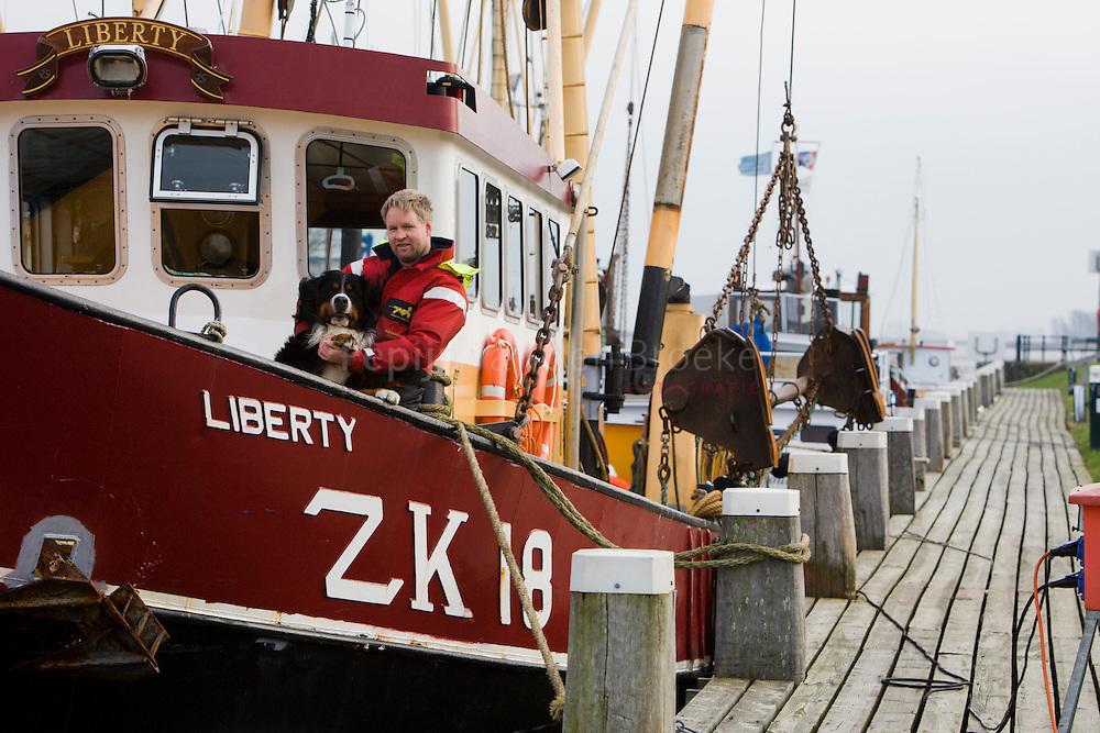 zoutkamp, liberty zk 18. Johan Rispens met zijn kotter, de ZK18. Kilometers: 63 foto: Pepijn van den Broeke kilometersa: 63