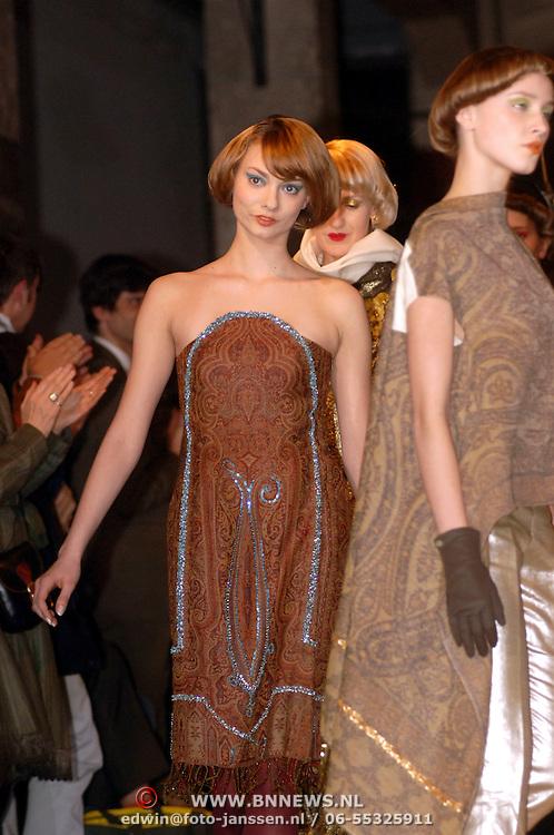 NLD/Amsterdam/20060310 - Modeshow Jan Taminiau 2006, mannequin, model, catwalk