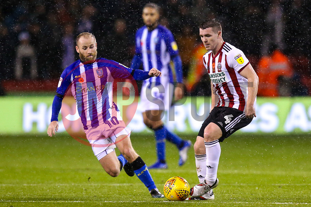 John Fleck of Sheffield United takes on Barry Bannan of Sheffield Wednesday - Mandatory by-line: Robbie Stephenson/JMP - 09/11/2018 - FOOTBALL - Bramall Lane - Sheffield, England - Sheffield United v Sheffield Wednesday - Sky Bet Championship