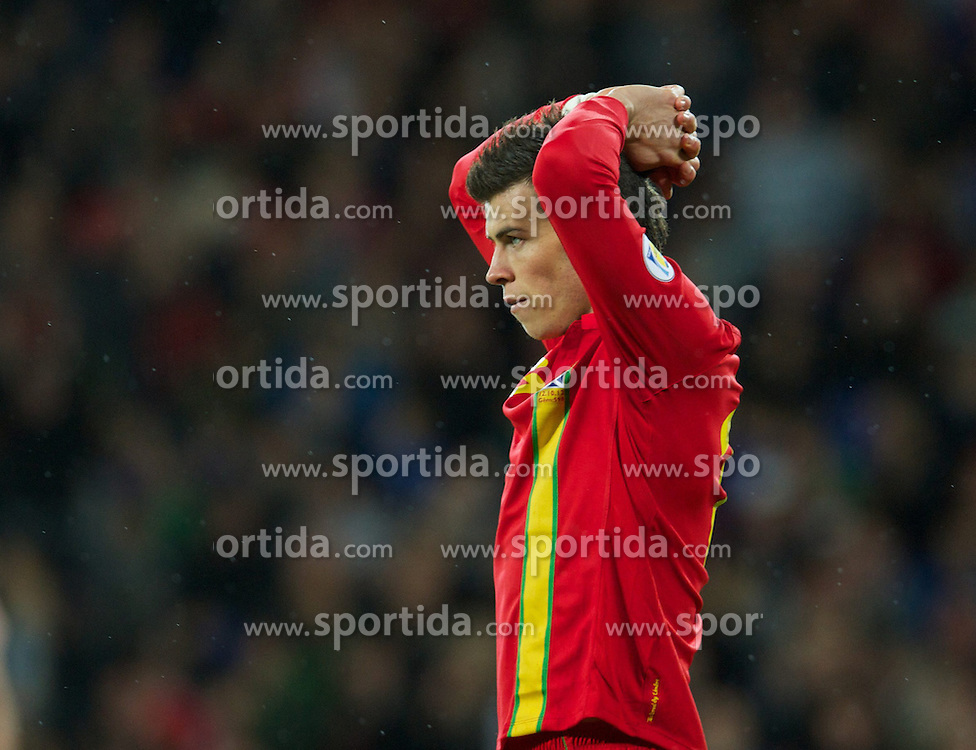 12.10.2012, Cardiff City Stadium, Cardiff, WAL, FIFA WM Qualifikation, Wales vs Schottland, im Bild Wales' Gareth Bale in action against Scotland during FIFA World Cup Qualifier Match between Wales and Scotland at the Cardiff City Stadium, Cardiff, Wales on 2012/10/12. EXPA Pictures © 2012, PhotoCredit: EXPA/ Propagandaphoto/ David Rawcliffe..***** ATTENTION - OUT OF ENG, GBR, UK *****