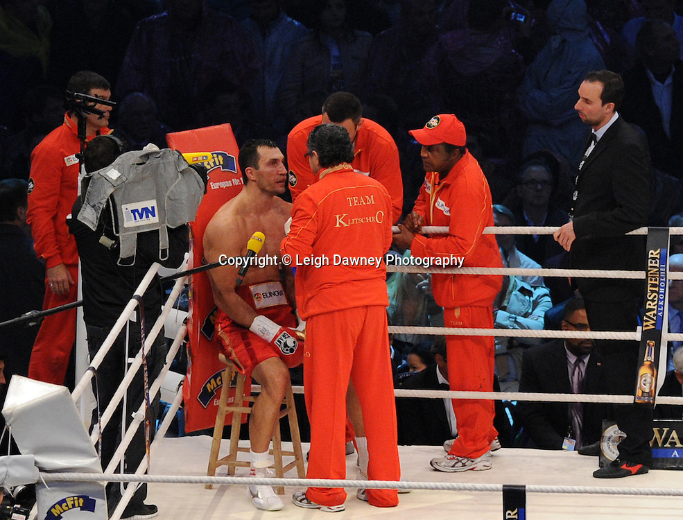Wladimir Klitschko and corner men during the fight against  David Haye for the WBO, WBA & IBF Heavyweight Title at Imtech Arena, Hamburg, Germany, 2nd July 2011. Photo credit: Leigh Dawney 2011