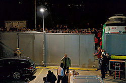 24.10.2014, Weserstadion, Bremen, GER, 1. FBL, SV Werder Bremen vs 1. FC Köln, 9. Runde, im Bild das fast komplett geschlossene Tor 1, dahinter der Mannschaftsbus, dahinter und hinter dem Zaun die aufgebrachten Besucher // during the German Bundesliga 9th round match between SV Werder Bremen and 1. FC Cologne at the Weserstadion in Bremen, Germany on 2014/10/24. EXPA Pictures © 2014, PhotoCredit: EXPA/ Andreas Gumz<br /> <br /> *****ATTENTION - OUT of GER*****