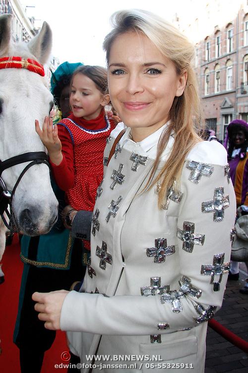 NLD/Amsterdam/20111117 - Inloop Bennie Stout in premiere voor Sinterklaas, Hanna Verboom