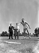 05/07/1952<br /> 07/05/1952<br /> 05 July 1952<br /> N.A.C.A. (National Athletic and Cycling Association) Championship of Ireland Finals at Iveagh Grounds, Crumlin, Dublin. M.J. Hehir (Ballinasloe A.C.) putting the 56lb shot, record throw, 29ft 2inchs.