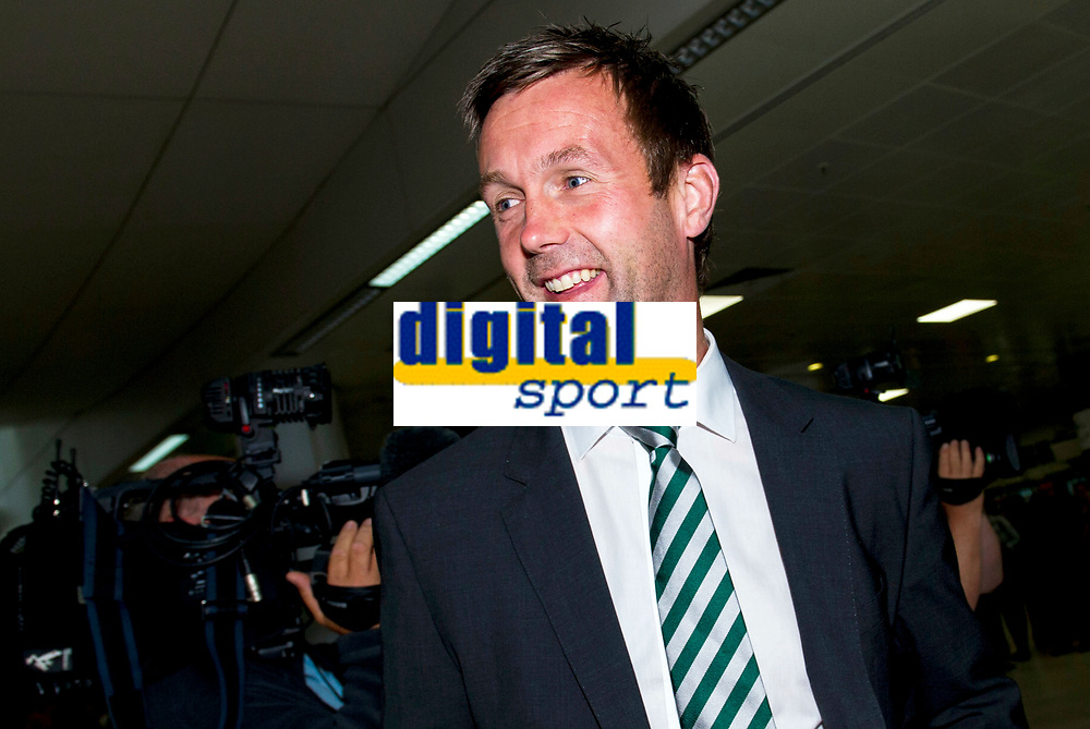 29/07/14   <br /> GLASGOW AIRPORT<br /> All smiles from Celtic manager Ronny Deila