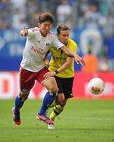 FUSSBALL   1. BUNDESLIGA   SAISON 2012/2013   LIGA TOTAL CUP  Hamburger SV - Borussia Dortmund        04.08.2012 Heung Min Son (li, Hamburg) gegen Chris Loewe (re, Dortmund)