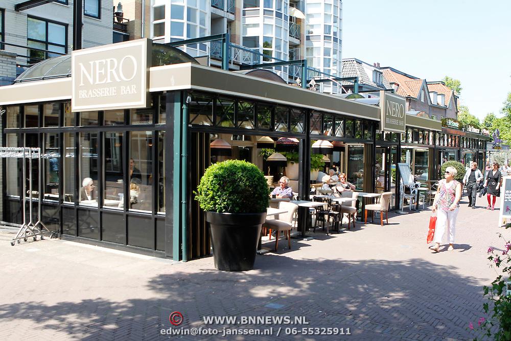 NLD/Amsterdam/20100604 - Diverse terrassen van rstaurant zomerspecial, restaurant Nero in Bergen