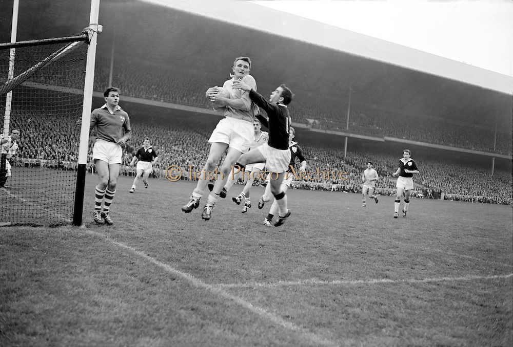 Great sportsmen, great sports from all over the world will come to the Shannon Gathering. Irish Photo Archive wishes you a day full of fun.